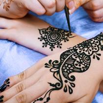 Tatuaż henna mehendi